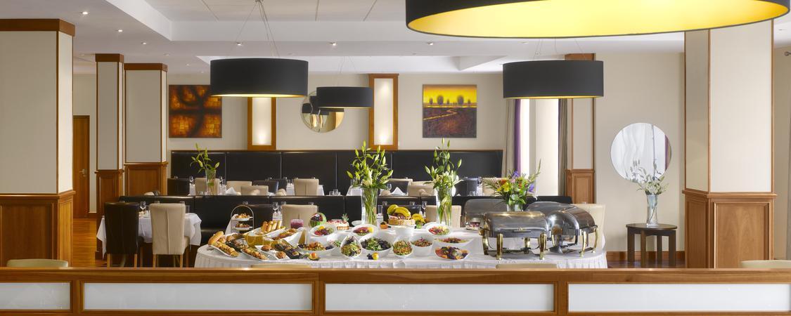 Radisson Blu Hotel - Dublin Airport - Food & Beverage