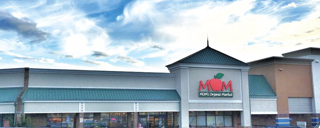 MOM's Organic Market ARLINGTON Brand Cover